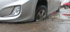 Ваше авто зазнало ушкоджень, влетівши в яму? Як отримати компенсацію – поради фахівця