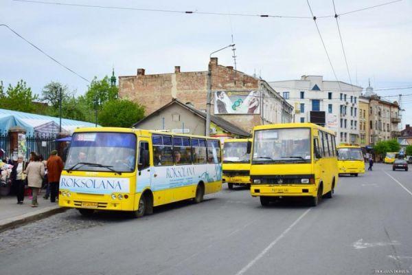 Два автобусні маршрути Франківська змінили схему руху