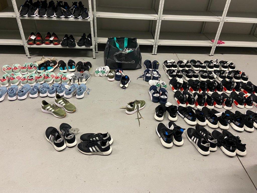 контрабанда, взуття Адідас