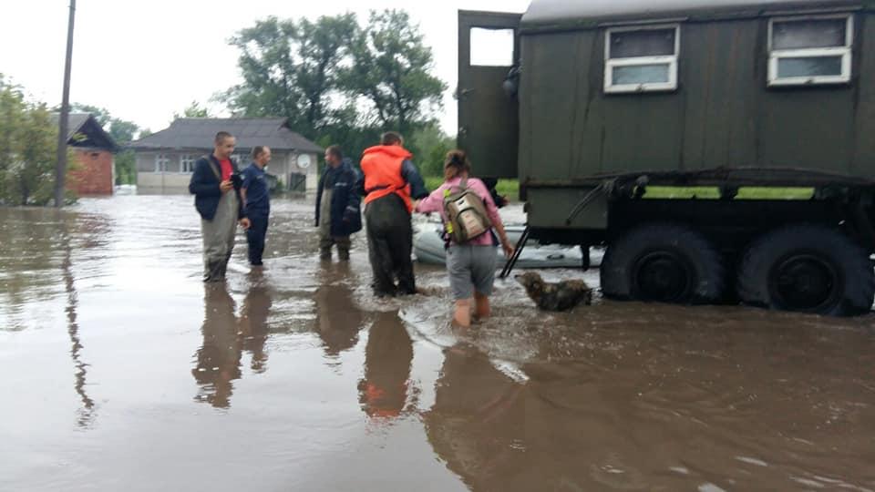 Паводок у селі Обертин Тлумацького району