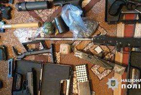 На Львівщині затримали раніше засудженого священника, який торгував зброєю