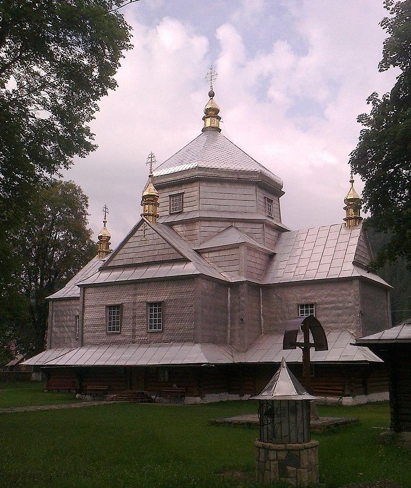 Микуличин, церква