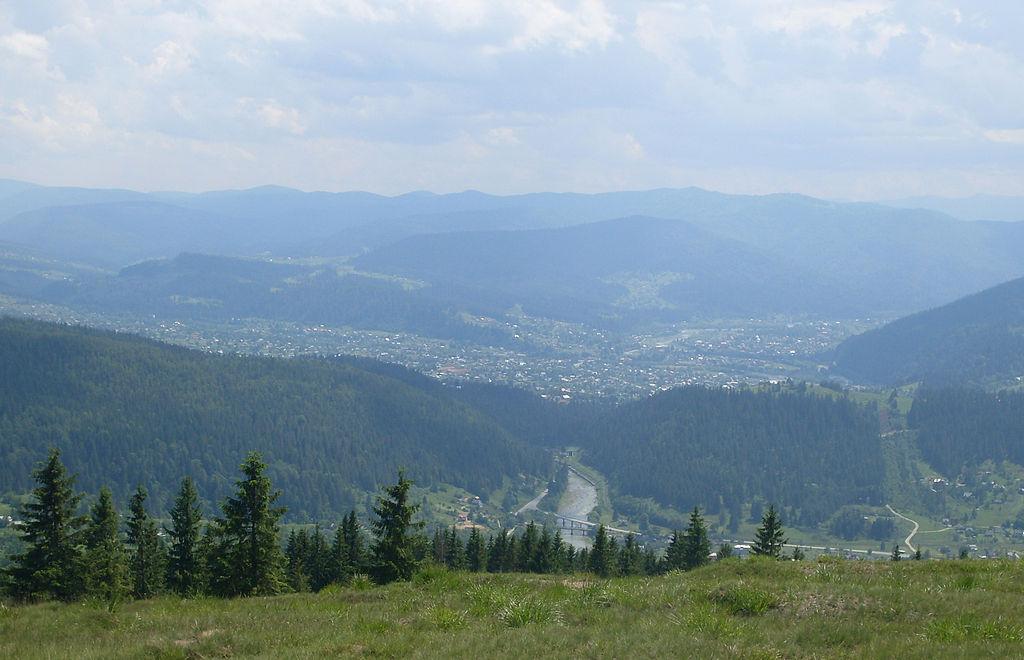 Микуличин, вигляд з гори Маковиця