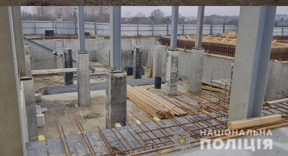 Будівництво басейну у Коломиї