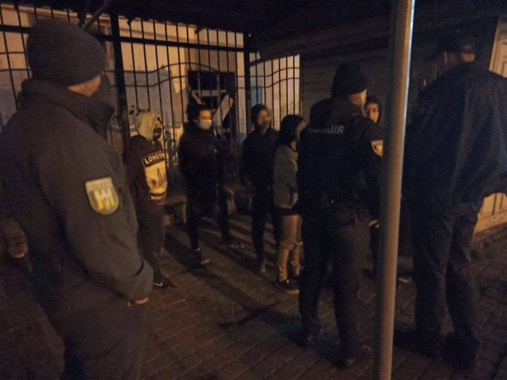 У Франківську семеро циганчат напали на жінку і намагалися її пограбувати