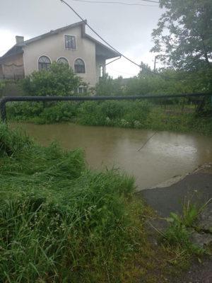 річка Млинівка вийшла з берегів